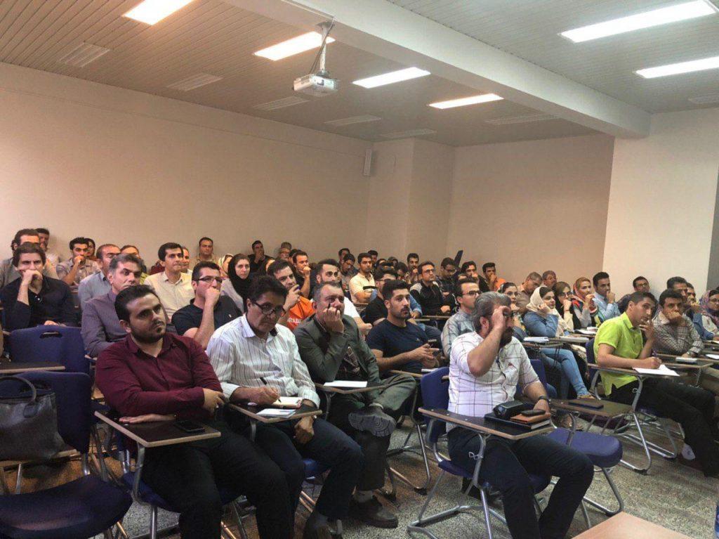 کلاس و دوره تابلوخوانی در سایت tsetmc در مهاباد